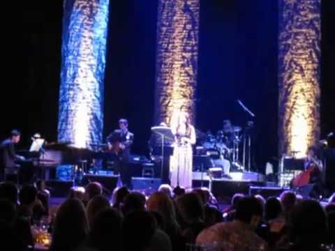 "Rachel Potter Performs ""If I Ruled The World"" at Broadway in South Africa Benefit Concert"