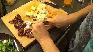Новогодний салат с хурмой и моцареллой
