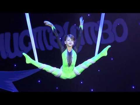 Телеканал Бужнет: В кращих традиціях цирку