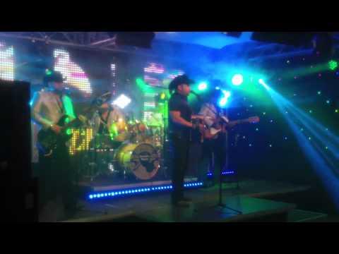 Michael Salgado - Como Te Olvido (Live)