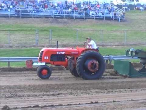 ANTIQUE PULLING AT THE 2012 FRANKLIN COUNTY, IN ANTIQUE SHOW 9 28 12