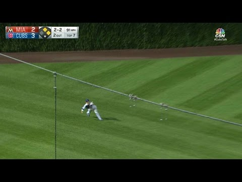 MIA@CHC: Coghlan makes a diving catch with runners on