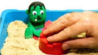 Hulk in the sand playing 💕Play Doh Stop motion videos for children