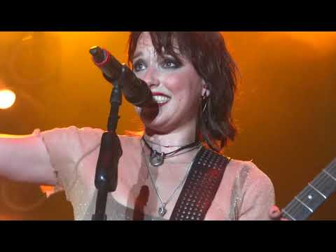 Halestorm - I Get Off + Freak Like Me Rock USA 2018 Oshkosh Wisconsin 07 / 12 / 2018