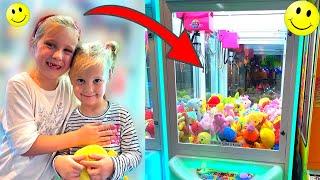 Igramo se na automatu za igračke. Koliko igračaka smo uhvatili?