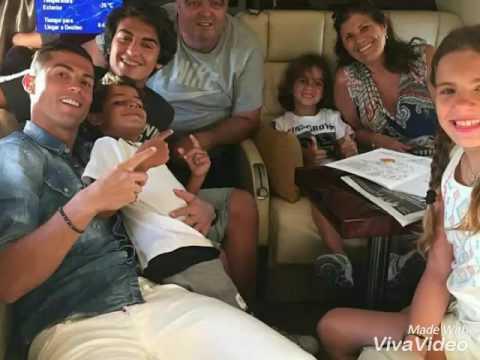 cristiano ronaldo family picture