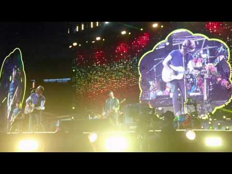 Coldplay - Yellow @ Stade de France (15/07/2017)