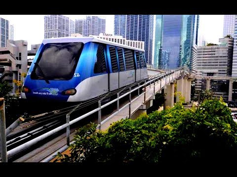 Metromover ride in Miami (Florida)
