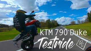 KTM 790 DUKE Wheelies | Testride