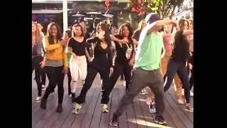 Dancing queens! Kourtney Kardashian & Khloe get grooves on in a flashmob