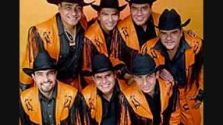 Watch Banda Machos La Suegra video