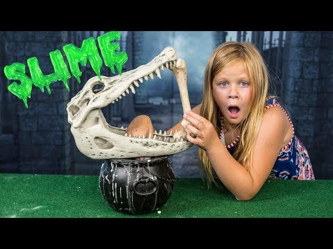 SPOOKY 3am Slime The Assistant Makes Worlds Spookiest Slime with PJ Masks