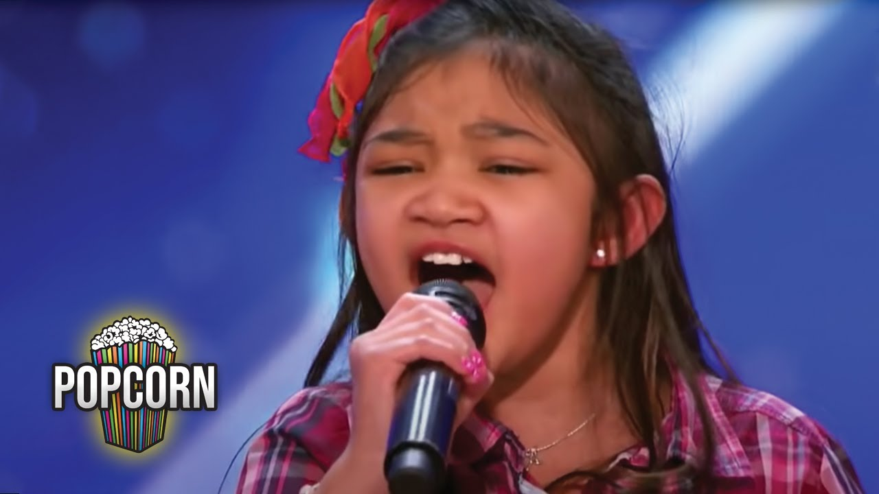 Americas got talent 2017 audition 6 - America S Got Talent 2017 Angelica Hale 9 Year Old Stuns Simon The Crowd Full Audition S12e02