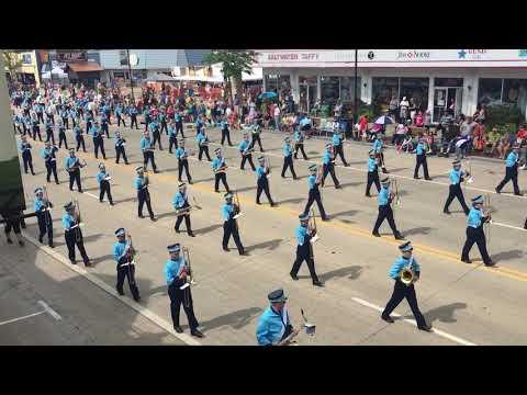 Wisconsin Dells High School Band in Wo-Zha-Wa parade