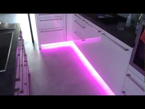 led badbeleuchtung stefan necker by stefan necker. Black Bedroom Furniture Sets. Home Design Ideas