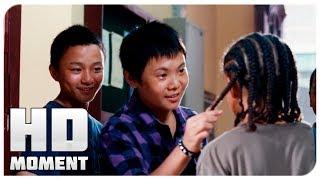 Чэн и его друзья издеваются над Дре - Каратэ-пацан (2010) - Момент из фильма