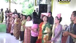 Lagu Simalungun: Holong Mangalop Holong, Karya Panca I. Saragih.