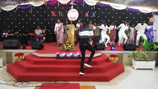 John Isa Live in Mombasa Praise Chapel. (God Is Able)