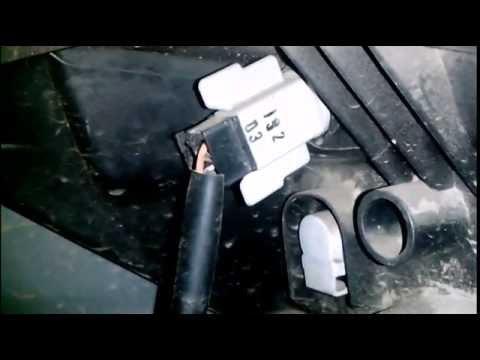 Замена лампочки переднего габарита Nissan Note