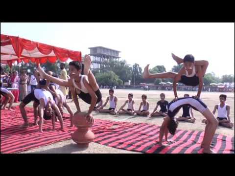 Yoga Demo by Jaidev Yogacharya