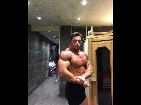 Craig Morton three weeks out locker room posing