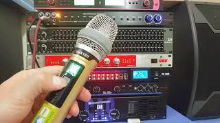 Micro không dây SHURE UGX10II giá 2tr300  hát nhẹ, chống hú rất tốt ( 0943.687.690 - 01657.159.662 )