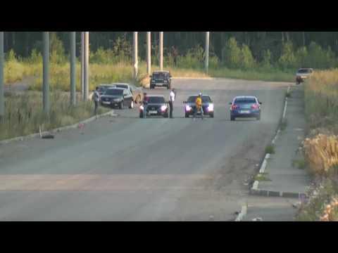 Mazda3 MPS vs MB 500 race 1