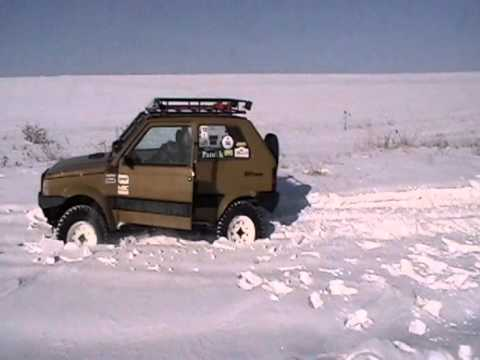 Panda 4x4 off road diff lock in the snow youtube for Panda 4x4 sisley off road