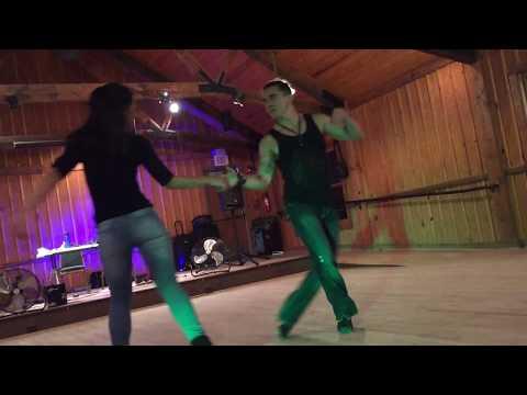 Diego Borges and Jessica Pacheco - West Coast Swing demo on Atlanta