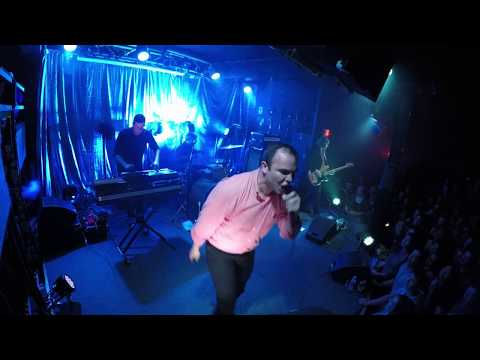 "FUTURE ISLANDS: ""Cave,"" Live in Baltimore, 4/7/17"
