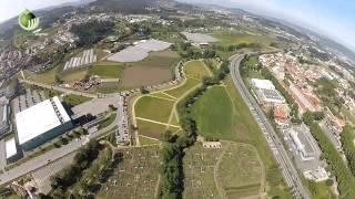 A emoção de sobrevoar Guimarães à boleia de um paramotor