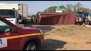Un camion transportant du bétail s'est renversé ce dimanche à Carcassonne