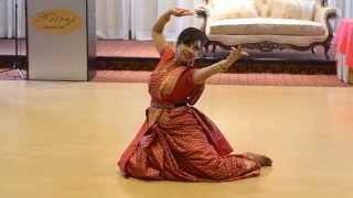 Dance: Bodhu Kon Alo by Tonuka