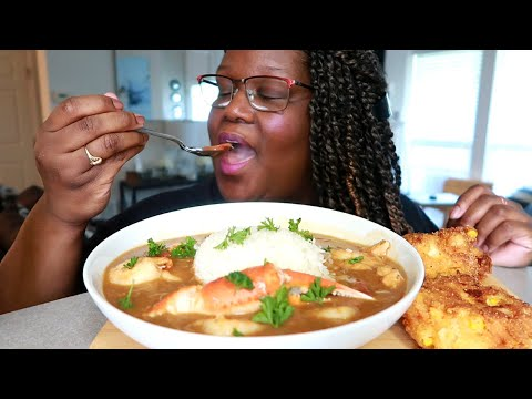 SEAFOOD CHICKEN SAUSAGE GUMBO AND CRAB FRITTERS RECIPE + MUKBANG | Asmr 실제 요리 소리