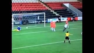 PSG Women's team score gorgeous goal from well worked corner routine