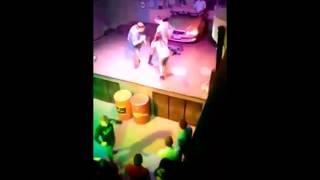 Студентка из Томска сделала минет на сцене ради коктейлей