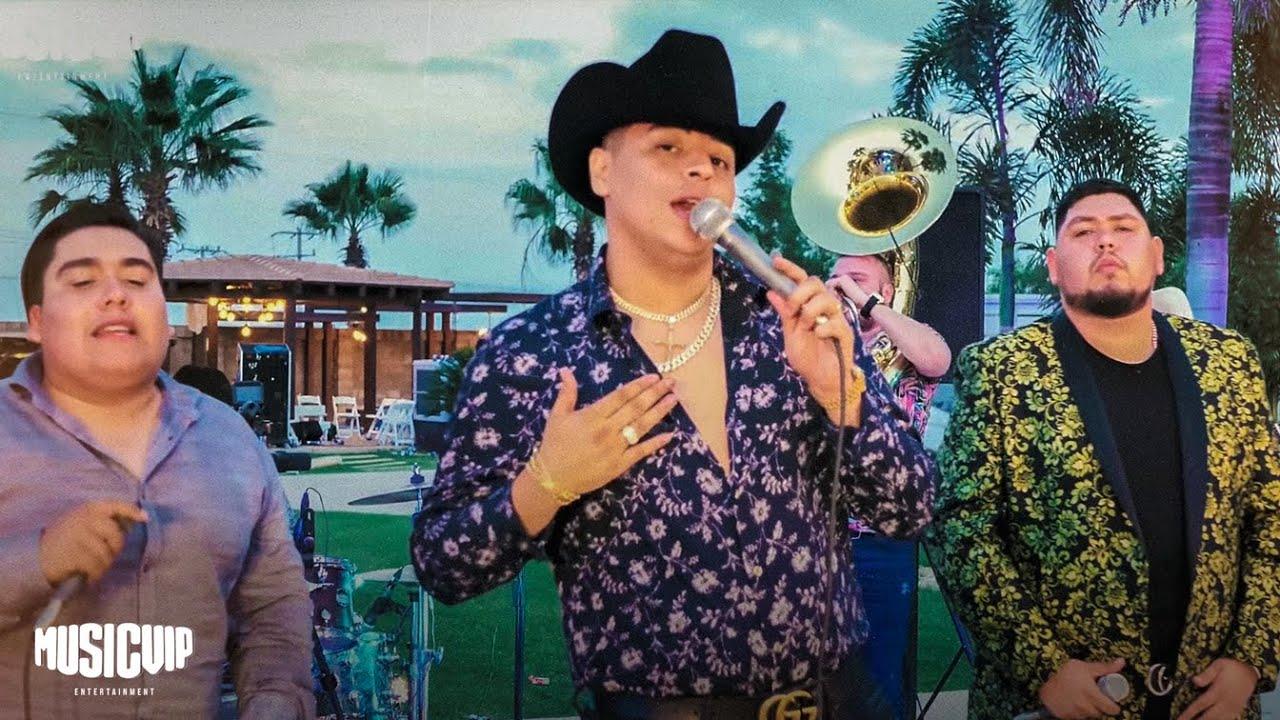 Grupo Firme - Jesús Chairez - José Gómez - El Amigo De Las Balas - (Official Video)