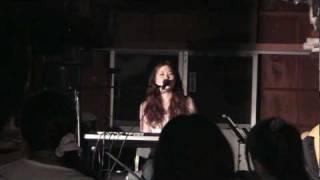 Ryoko Yokota ミニ・コンサート@管理人宅倉庫(^_^) パート2です。