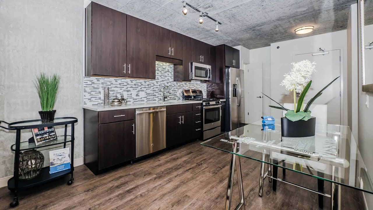 A Walk Through A One Bedroom Plus Den At Gateway West Loop