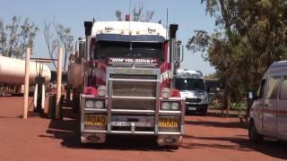 Road Trains  Australia .mpg