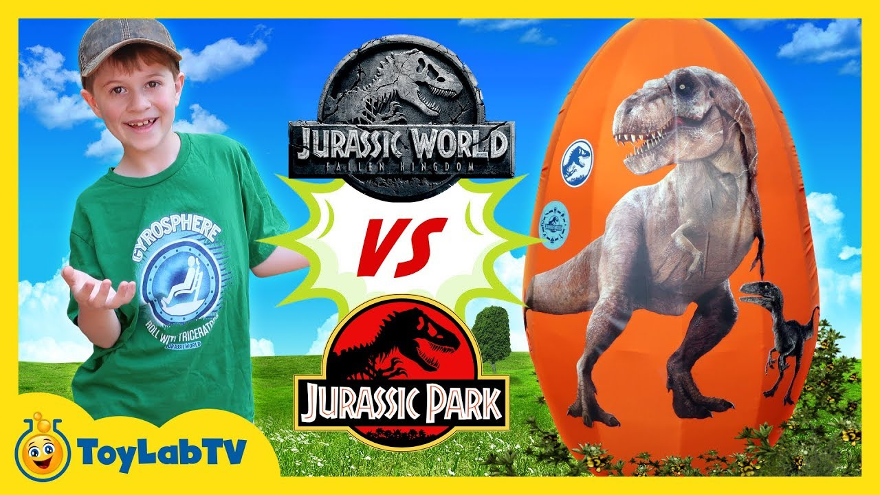 Jurassic World Fallen Kingdom vs Jurassic Park Dinosaurs! Giant T-Rex Dinosaur & Surprise Egg Toys
