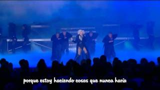 Not myself tonight - Christina Aguilera live Oprah (subtítulos en español)