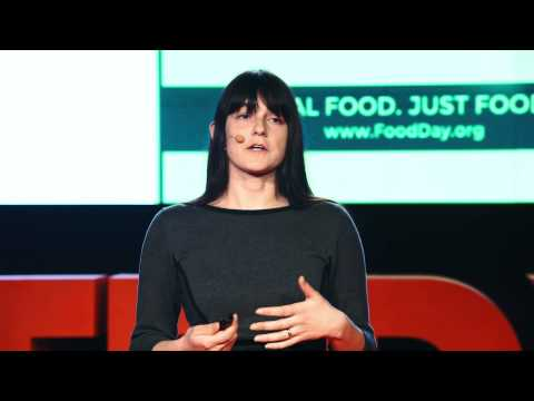 Starting a movement: Changing the global food system | Lilia Smelkova | TEDxCaserta
