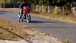 Дебил на мотоцикле мегаржач