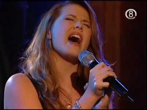 Molly Sandén - A Moment Like This (Live Bert TV8 2007)