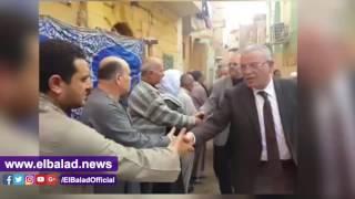 محافظ المنيا يقدم واجب العزاء لأسرة شهيد الوطن بسيناء.. فيديو وصور