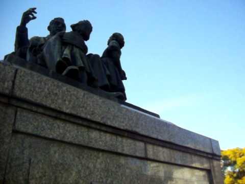 PALERMO - MONUMENTO A SAN MARTIN REPRESENTADO COMO CIVIL Y ANCIANO - BUENOS  AIRES