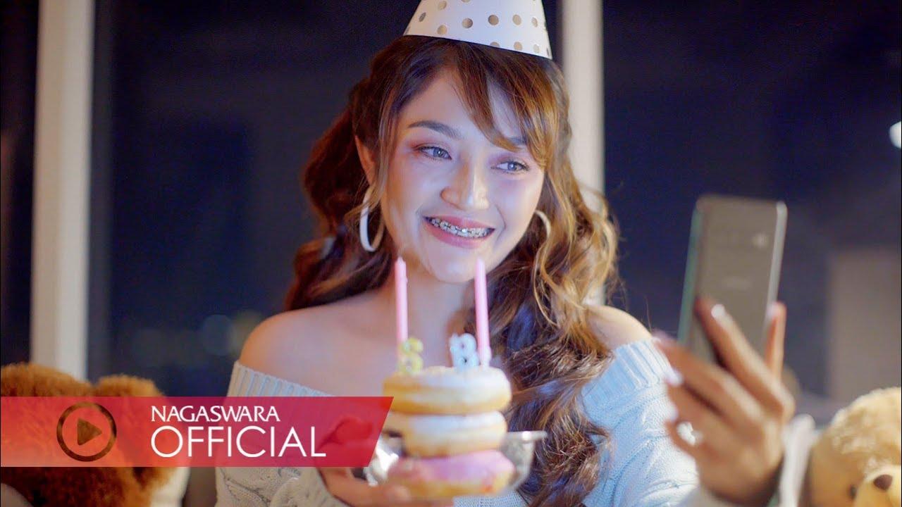 Siti Badriah - Video Call Aku (Official Music Video NAGASWARA) #music
