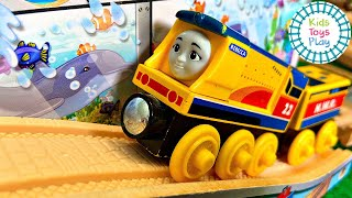 Build a Thomas and Friends Train Track with Kids Toys Play