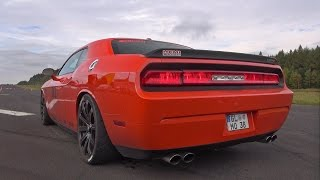 Dodge Challenger SRT8 vs Chevrolet Camaro SS - Exhaust Sounds!